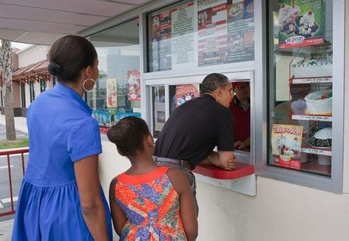 Obamas Visit A Gulf Coast Restaurant