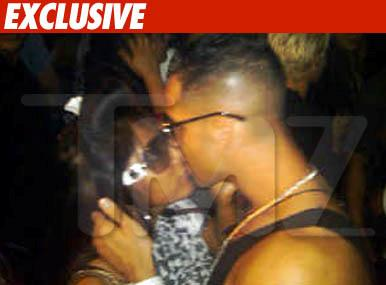 Snookie and Mike the Situation Make Out