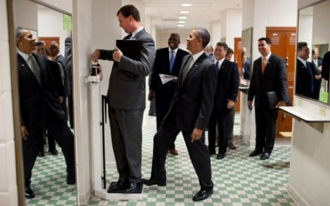 Obama Pranks A Staffer On A Scale