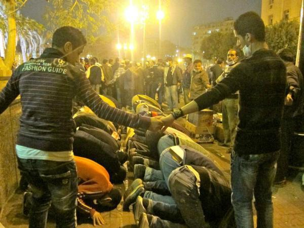 Egyptian Christians Holding Hands to Protect Muslims as They Pray