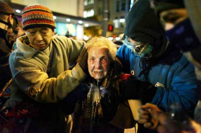 An 84 Year Old Gets Pepper Sprayed At Occupy Seattle