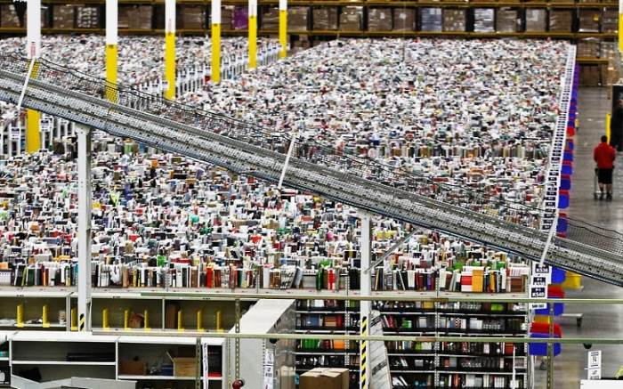 inside amazon warehouses 8 A Fascinating Look Inside Amazons Warehouses