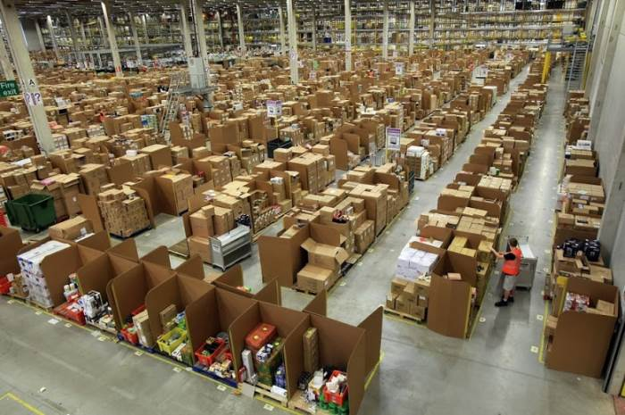 inside amazon warehouses 9 A Fascinating Look Inside Amazons Warehouses