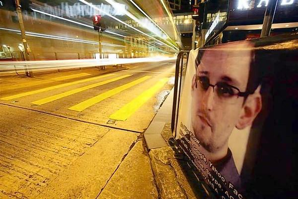 Edward Snowden Fear Flying